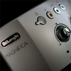 Delonghi Magnifica Bean to Cup Coffee Machine UK